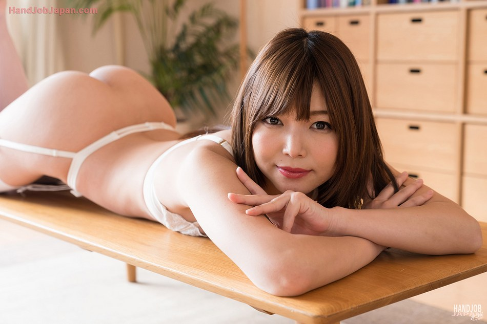 JAV Idol Shino Aoi, 碧しの, Japanese handjob Gallery - Exclusive Japanese AV idols and amateur girls handjob photos and movies shot in Tokyo, Japan. 有名AV女優から素人まで無修正手コキ画像と手コキ動画